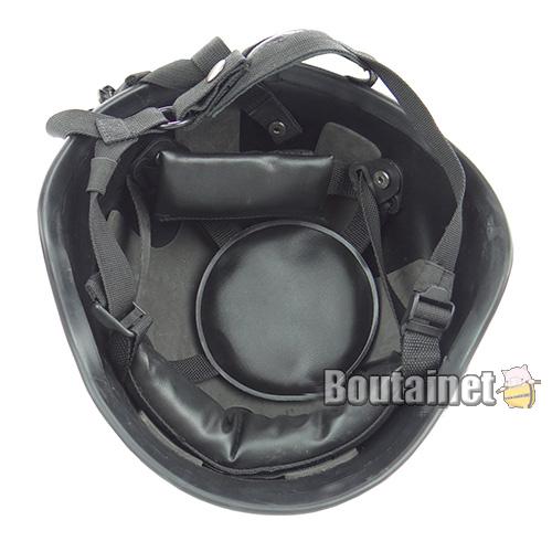 防弾ヘルメット内側